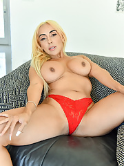 Mature Kylie Kingston exposes her body in red panties
