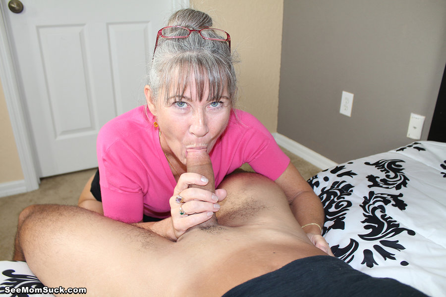 mature-moms-sucking-young-cock