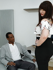 Mature Toni Lace gets her pussy banged by a hard big black cock
