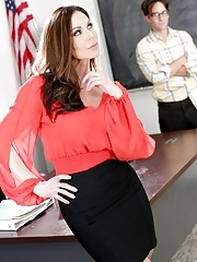 MILF pornstar Kendra Lust posing naked on teacher's desk and fucking