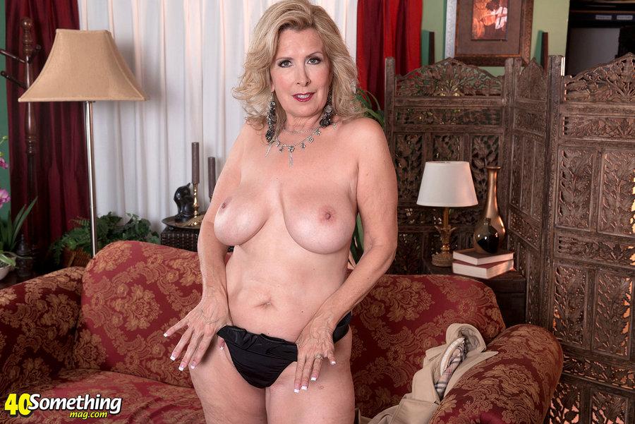 Playboy leanna decker nude