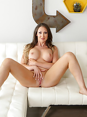 MILF with big tits gets oiled up and fucked