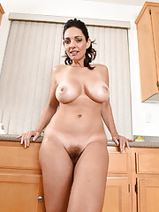 Mom Mindi Mink gets wet in kitchen so takes all clothes off