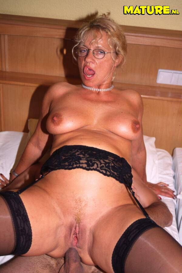 Grannies mom anal squirt