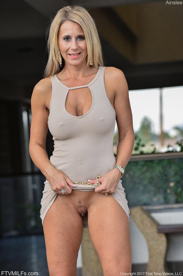 Milf Blonde