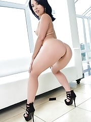Pornstar brunette latina MILF Kristina Rose with a huge ass naked in heels