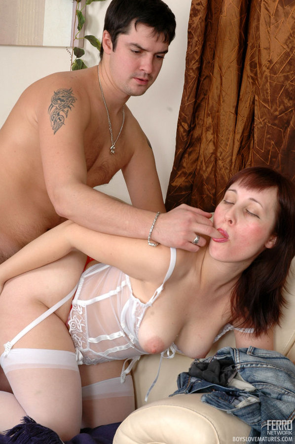 Секс Со Зрелой В Белье