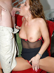 Sexy blonde milf babe gets her lunch break filled up wiht more than food
