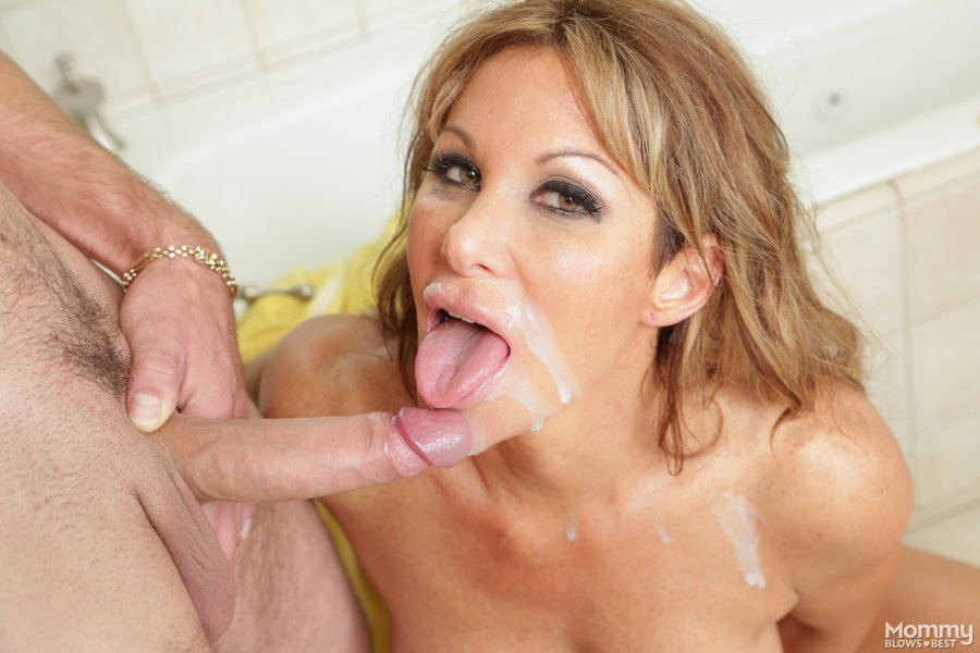 Sexy milf blows