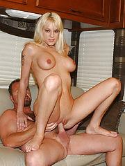 Sexy milf mamma gets her first orgasm since her wedding night