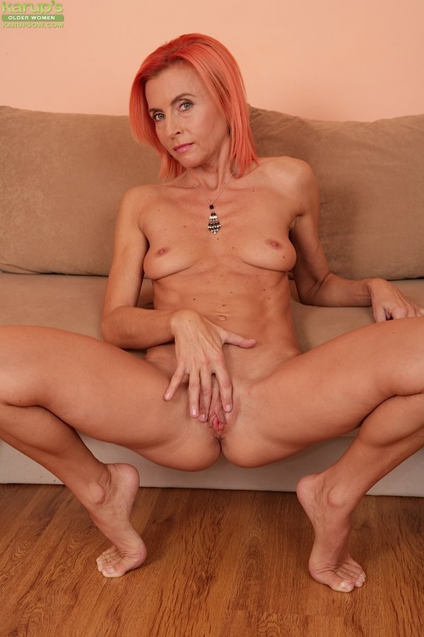 Karups Older Women Skinny Older Babe Klarisa Hot Spreads -5459