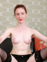 Skinny sexy Scarlet Louise shows off