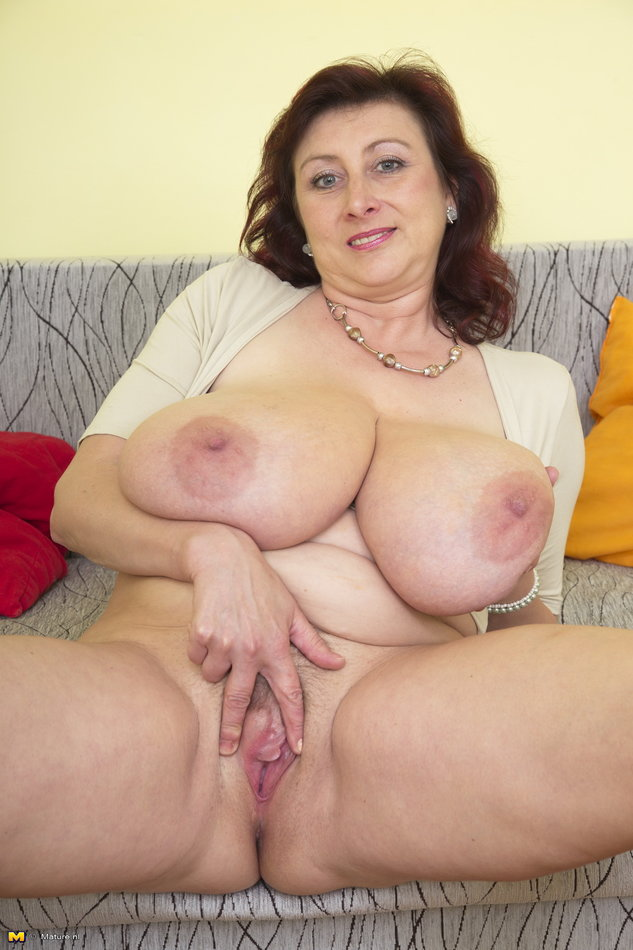 Big Natural Tits Mom Creampie