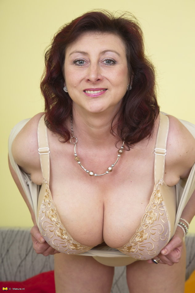 Stories mom has enormous tits boobs