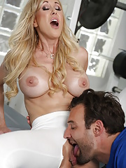 Sporty Athletic Brandi Love penetrated by her personal trainer
