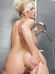 Stunning blonde Marlene gets her pink wet in the shower