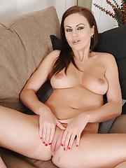 Stunning Tina Kay plays with her feet