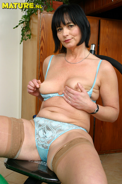 Fee amateur cfnm milf