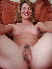 Wild Milf spreading her pink pussy flaps