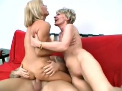 bbw and milf ffm threesome amateurs