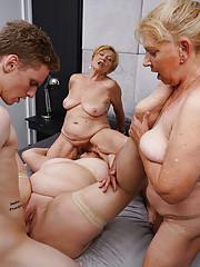 adult interracial gruppe
